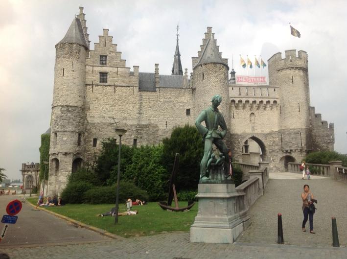 Antwerpen, Burg