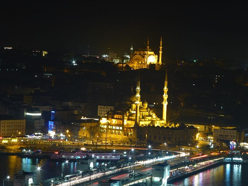 Istanbuls Altstadt bei Nacht