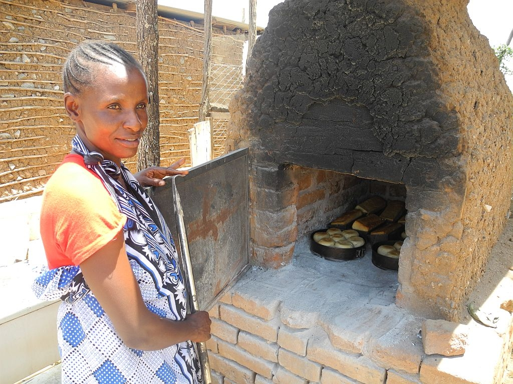 Hilfe zur Selbsthilfe: Brotbackofen